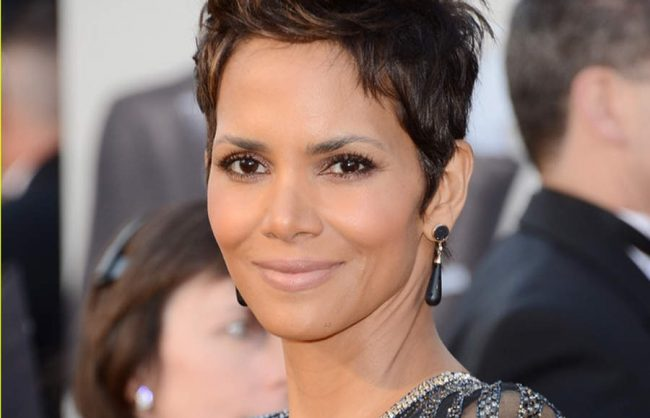 get the look: queen of the pixies, halle berry (video)