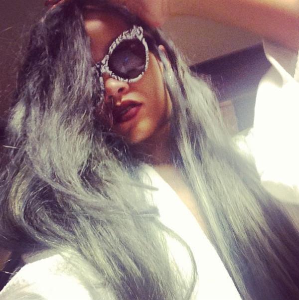 Rihanna_Grey_Hair
