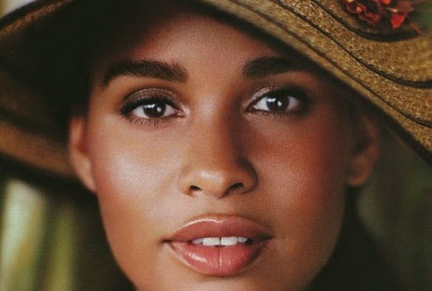 tv leading ladies: joy bryant's hat