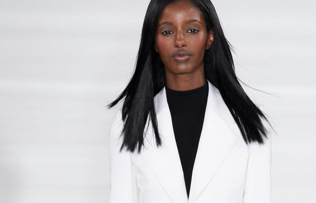 work chic: side, center and off-center parts (straight hair)