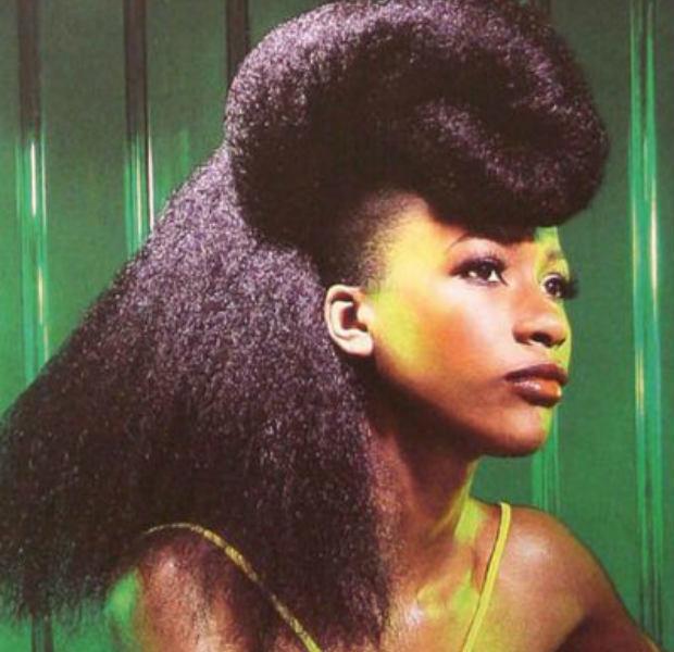 long hair looks: a blowout & pompadour (video)