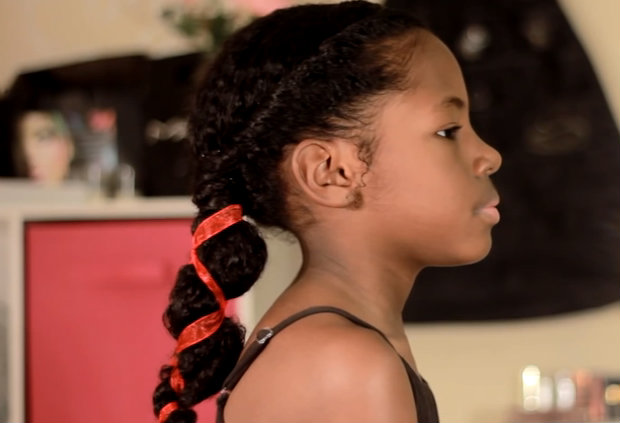 a ribboned pony tail (video)