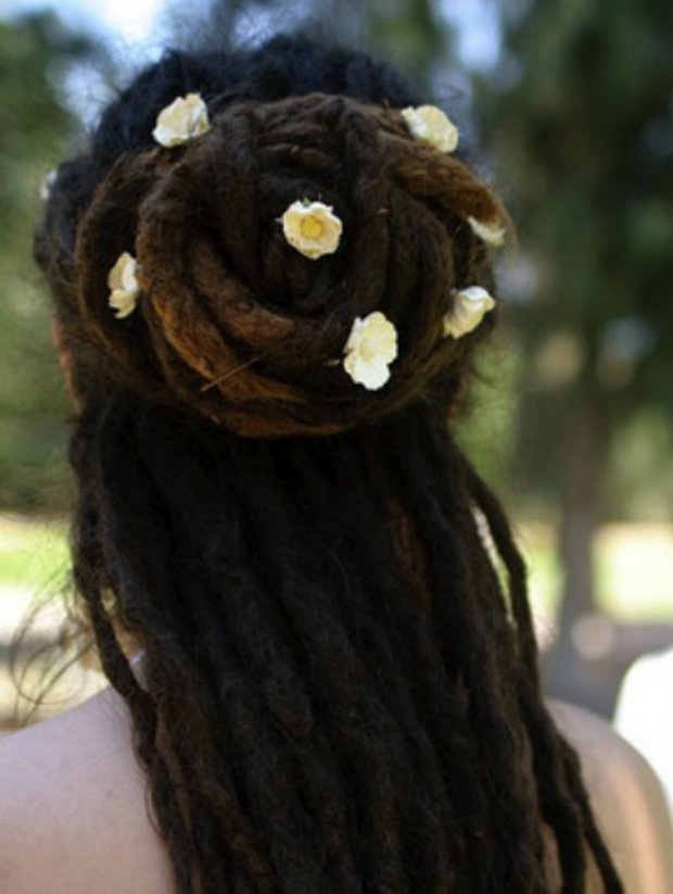 flower power #hairspiration: pin them in!