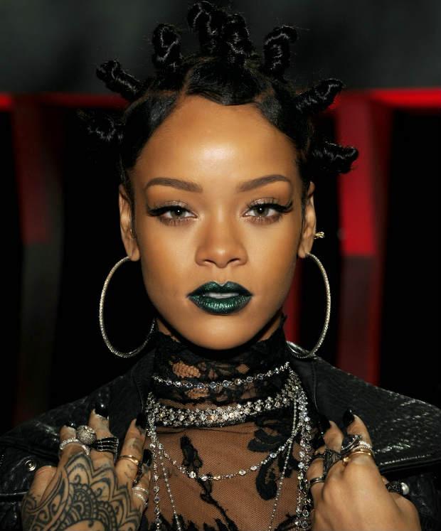 Rihanna_BantuKnot_BlackHair_IHeartRadioMusicAwards
