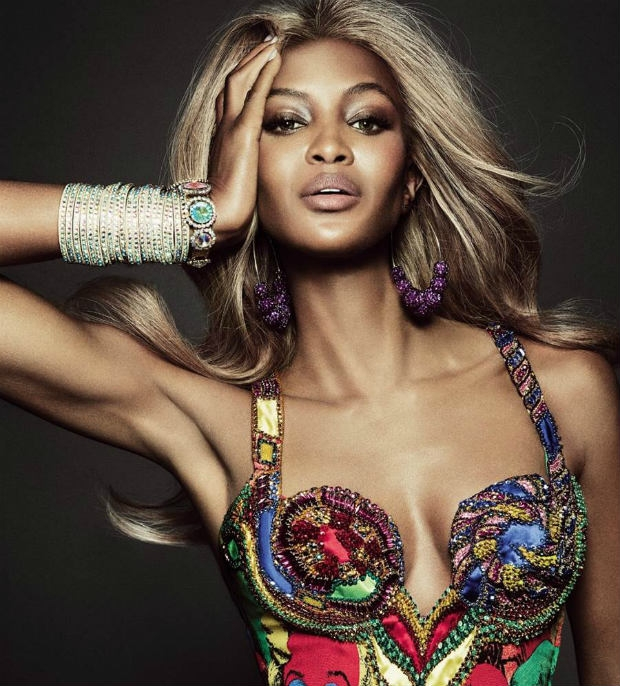 Naomi-Campbell-blonde_Vogue-Brazil